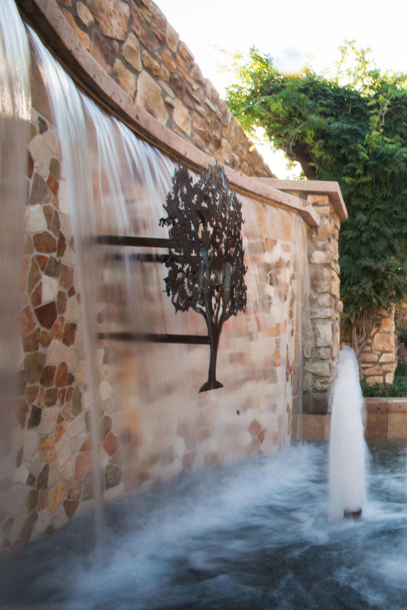 Fountain 1335X2000